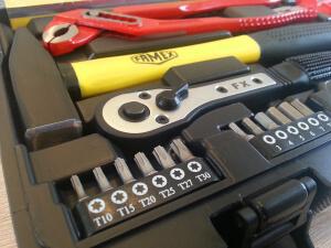 Werkzeugkoffer, Hammer, Zangen
